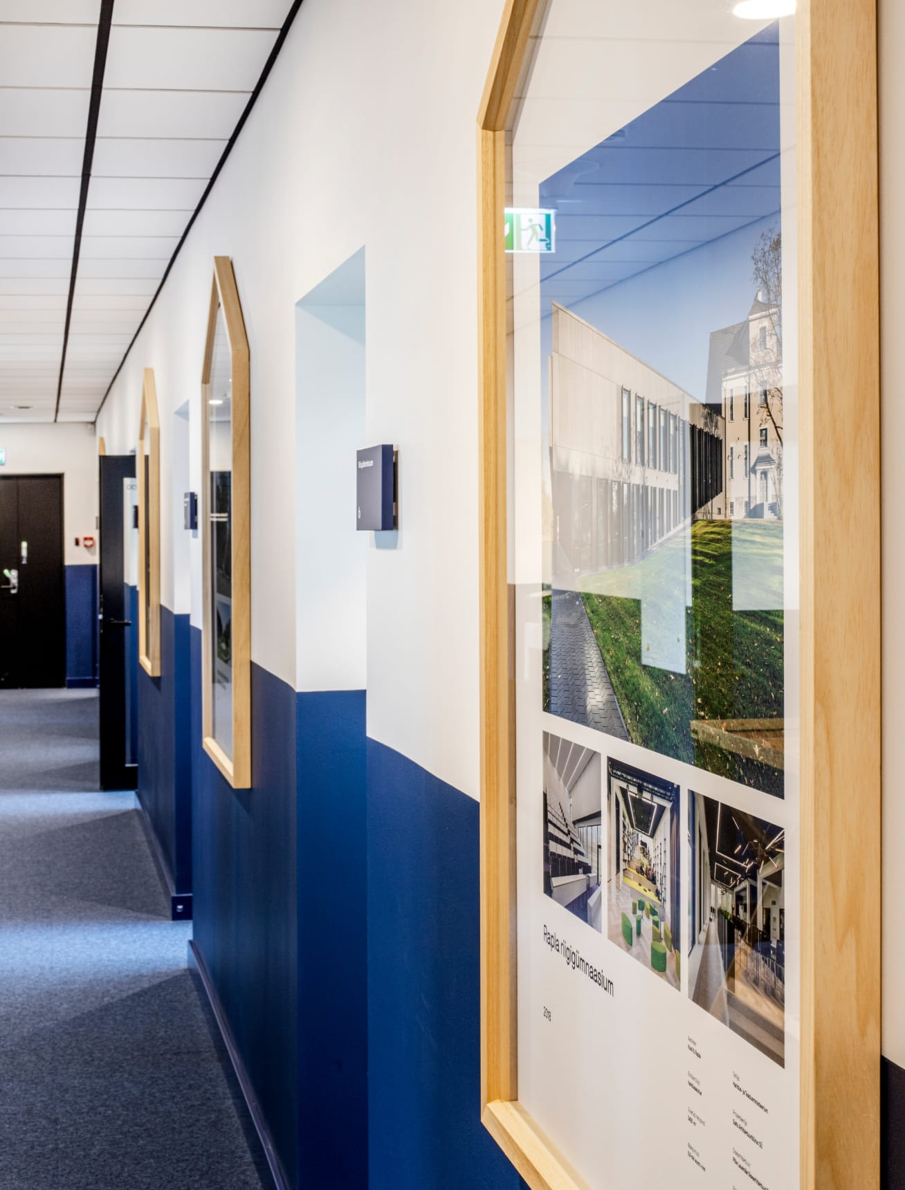 Pildiraamid koridoris